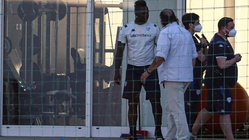 Balotelli,<br />  scontro totale col Brescia: vuole il reintegro o un corposo risarcimento