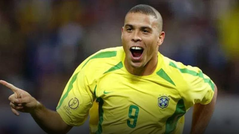 Brasile,<br /> Richarlison come Ronaldo! Tripletta e emula il taglio del Fenomeno