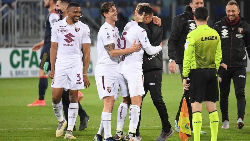 Cagliari-Torino,<br /> le pagelle: Izzo-Nkoulou,<br /> cerniera da 7. Godin,<br /> che errore sul gol: 5