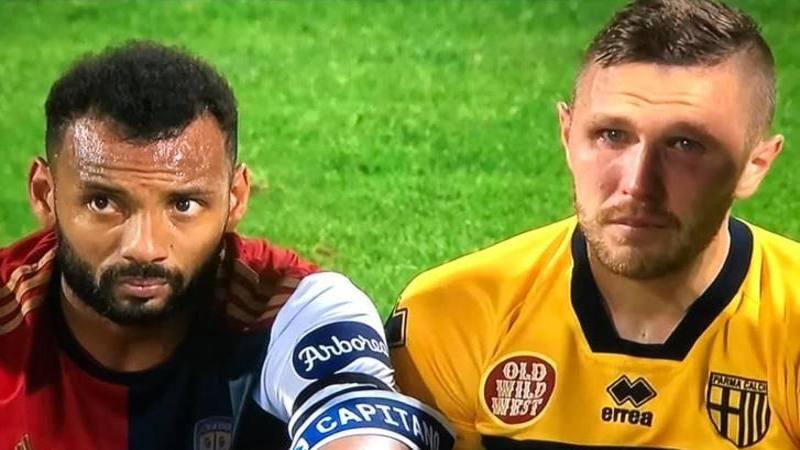 Disastro Parma,<br /> Kurtic piange disperato. E Joao Pedro lo consola