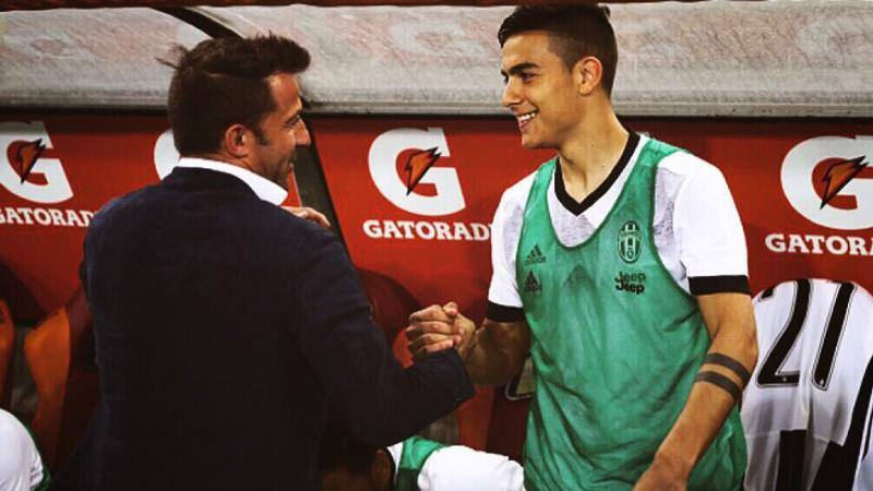 Dybala incontra Del Piero: � la notte del 10