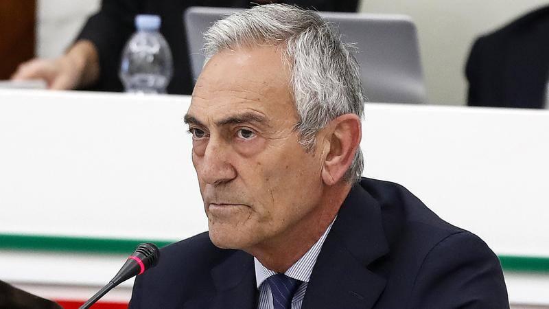 Gravina sfida il Governo: 'Non firmer� mai per lo stop dei campionati,<br /> ce lo imponga'