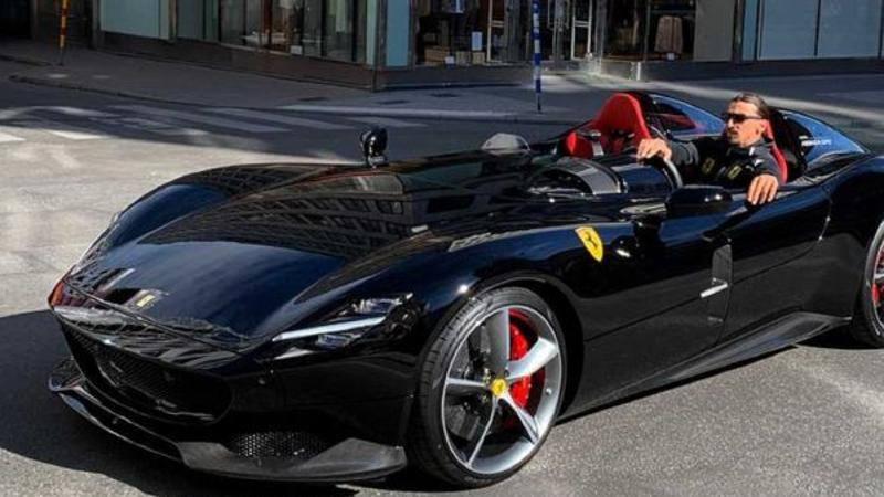 Guai per Ibra in Svezia: guida la sua Ferrari da 1,<br />6 milioni e viene multato
