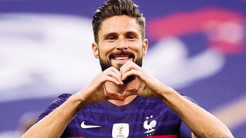 Il Milan trova l'accordo con Giroud: biennale con opzione