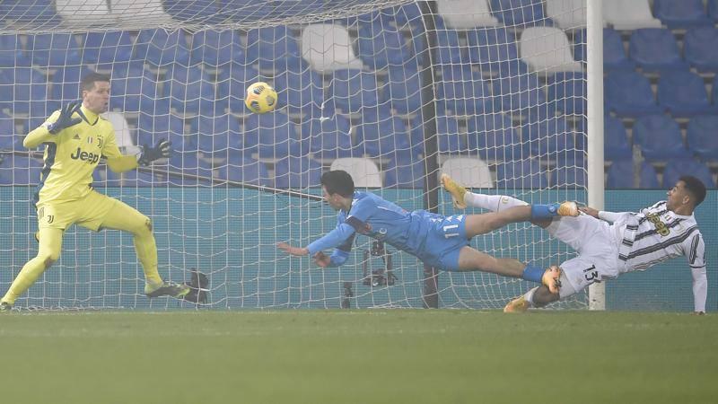 Juventus-Napoli,<br /> le pagelle: super Szczesny salva tutto,<br /> 7,<br />5. Insigne tradisce,<br /> 5,<br />5