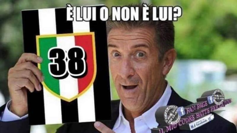 La festa dei tifosi vip. Del Piero: '9 di filaaaa'. Greggio sottolinea: '38, cerrrrto che � lui'