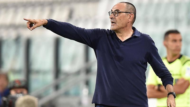 La Juve rinuncia all'opzione: penale da 2,<br />5 milioni e Sarri � libero. La Lazio si fa sotto