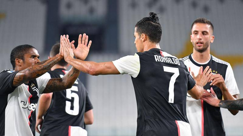 Le pagelle di Juve-Lecce: Ronaldo c?�, 7! Scossa Douglas Costa: 7. Lucioni flop: 4,5