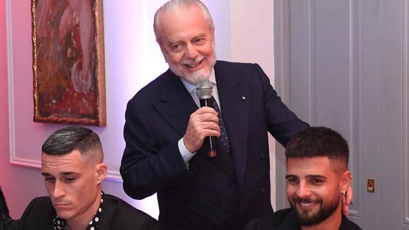 Stallo Napoli,<br /> le multe che ballano e gli stipendi... sospesi