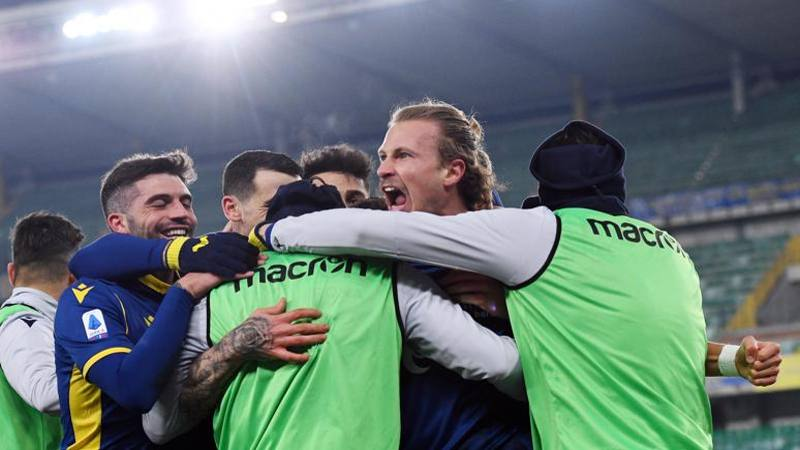 Verona-Parma,<br /> le pagelle: Dimarco e Barak meritano 7. Bani limita i danni: 6