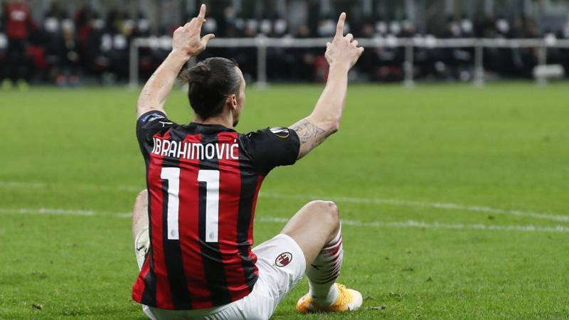 Wan Bissaka ostacola Ibra: al 94' il rigore per il Milan ci poteva stare