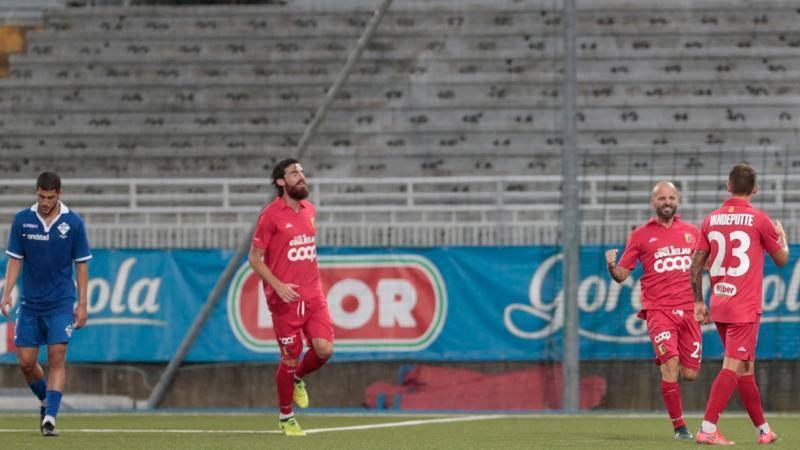 Nel primo preliminare di Coppa Italia giocato a Novara passa il turno il Catanzaro che ha eliminato il Como vincendo per 6-5 dop