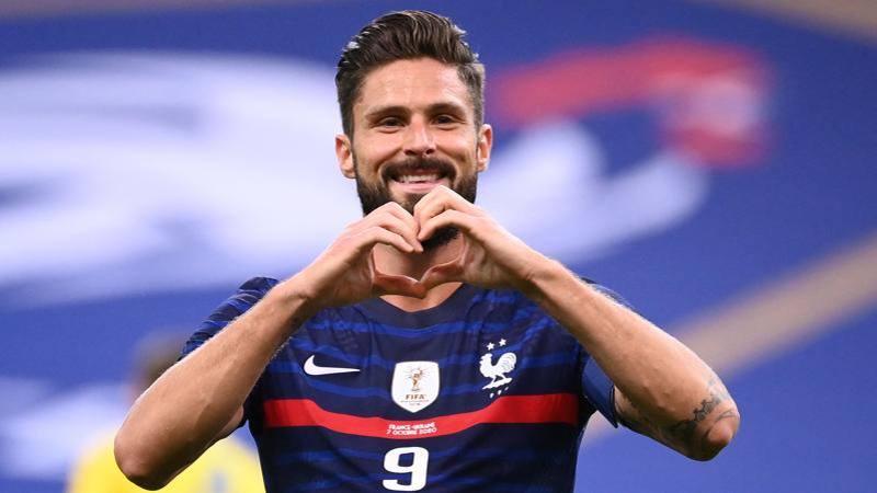 Giroud-Milan, stretta finale: vuole giocare con Ibra, pronto un biennale