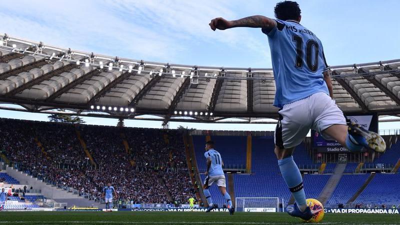 Luis Alberto si tiene la Lazio e rinnova sino al 2025. Manca solo la firma