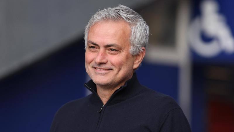 Quaranta giorni senza rilasciare interviste Una vera rivoluzione per Mourinho, da sempre al centro dellattenzione con i media di tutto il mondo Domani tornerae a parlare ai canali del club Ad annunciarlo proprio ile