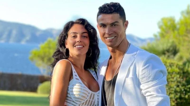 In attesa di capire quale sarae il suo futuro, Cristiano Ronaldo si sta rilassando a Maiorca con la sua compagna, Georgina