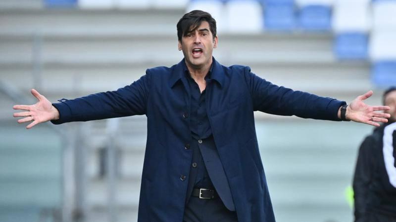 Tensione alla Roma,<br /> duro faccia a faccia tra Fonseca e la squadra. E Bruno Peres...